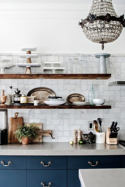 Kitchen Makeovers - Open Shelving in New York Browstone - Phtos by Ty Cole | designlibrary.com.au